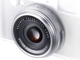 Non-collapsible Fujinon lens for incredible images in an instant