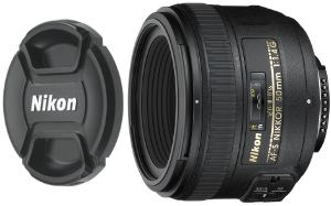 Picture shows the lens with the snap-on lens cap.