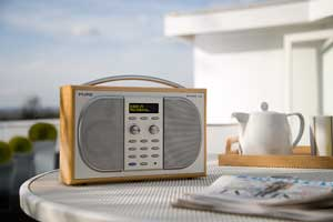 Experience DAB radio with the EVOKE-2S, featuring an OLED display and impressive audio