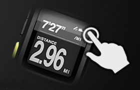 Simply tap the interface to activate the backlight and to mark laps during your run.