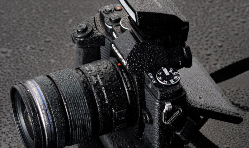 http://g-ecx.images-amazon.com/images/G/02/uk-electronics/shops/olympus/2012/E-M5_WeatherProof.jpg