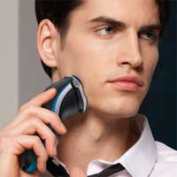 Look your very best with Philips AquaTouch AT750 Electric Shaver