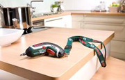 Bosch IXO 4 screwdriver with suspension hook integrated in the ergonomic handle