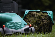 The Rotak 320 comes with a 28 litre grassbox