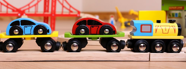 Toy Trains & Accessories