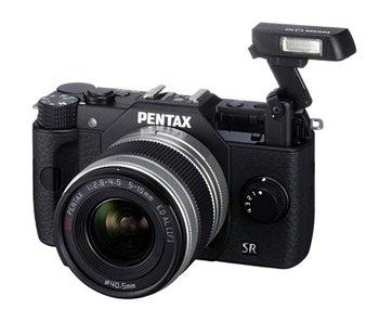 Pentax Q10 Systemkamera inkl. 5-15 mm Objektiv Kit