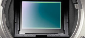 Capteur CMOS APS-C 24,3 mégapixels avec conception sans espace des lentilles intégrées
