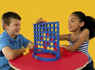4 Gewinnt Neuauflage Kinder spielen