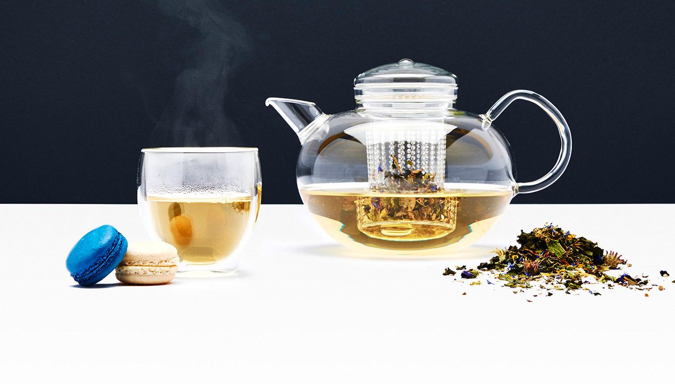 Boissons chaudes pour l'hiver : café, thé et mugs