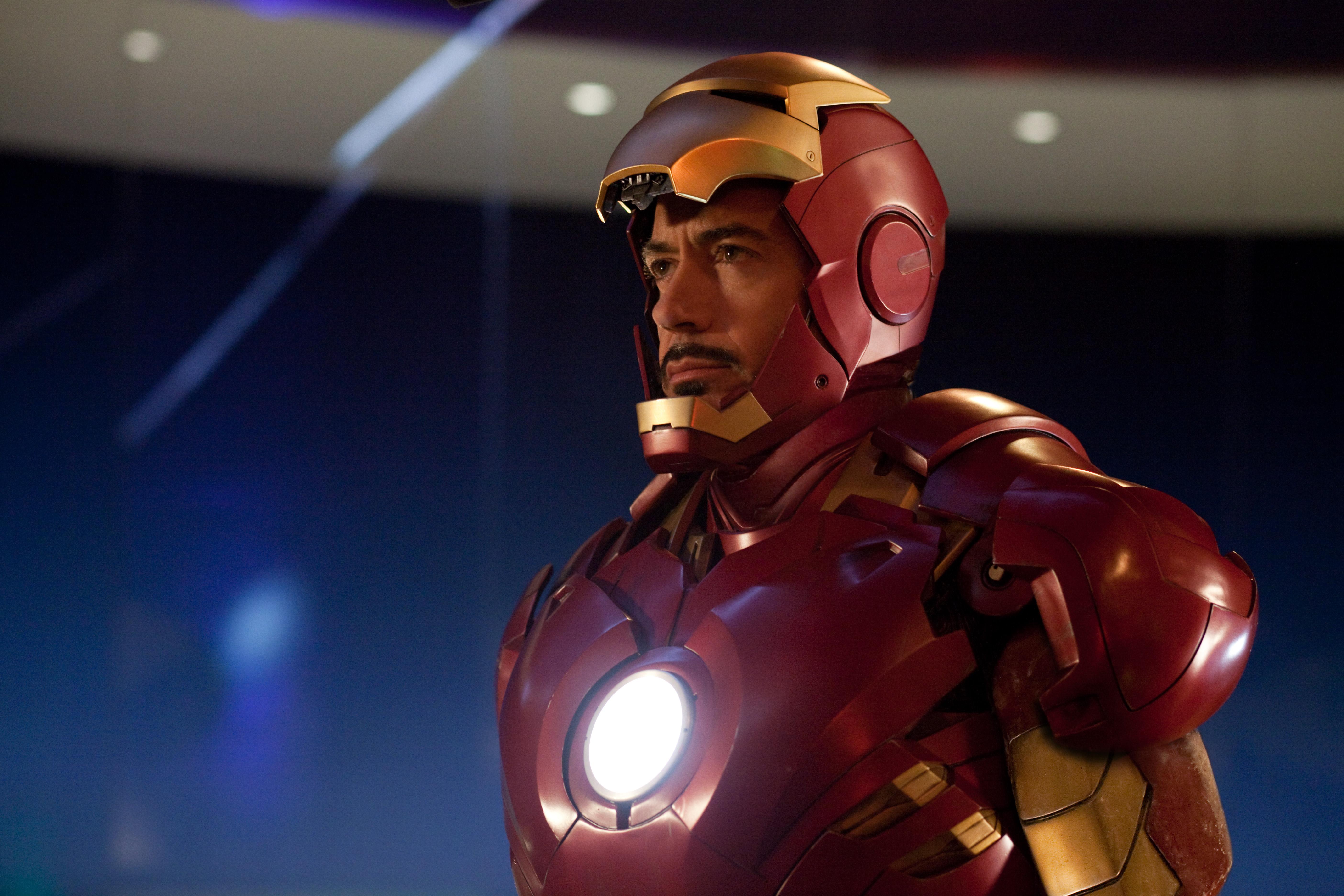 Amazoncom Iron Man Bluray Jr Robert Downey