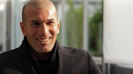 http://g-ecx.images-amazon.com/images/G/08/products/dvd/images/2012-photos-DP/Play/Zidane._V142667244_.jpg