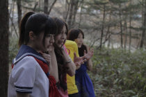 妹の死から立ち直れずにいる女子高生の恵(中村有沙)は、先輩の亜矢(菅野麻由)に誘われ、真希(護あさな)、タケ(岸健太朗)、直井(ダニー)とキャンプへ出かけることに。