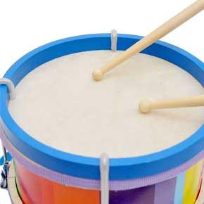 """鼓""""配上简单的鼓谱,使幼儿不用盲目的敲击,而是有节奏、有强弱、"""