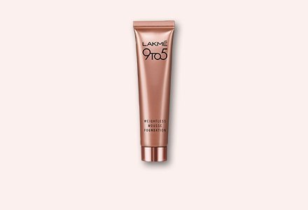 Lakme 9 to 5 Weightless Mousse Foundation, Beige Caramel, 29g