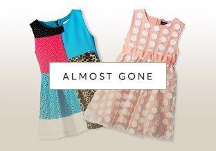 Quasi scomparso : vestiti delle ragazze!