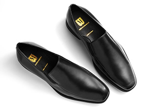 Riunione Ready: Black Dress Shoes!