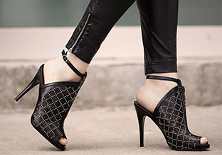 Fall Trend to Try: Ankle Strap Shoes