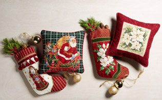 Yuletide Needlepoint: Pillows, Rugs & Stockings