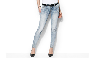 Shades of Spring: Lightwash Jeans