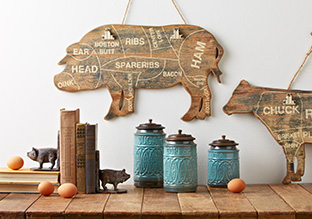 Country Charm: Wall Décor & Accents!