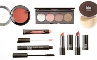 Get Glowing: Summer Makeup