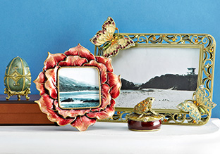 Ashleigh Manor: Frames & Boxes for Mom!