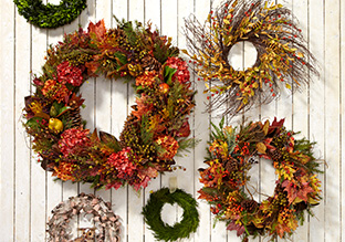 Wreaths, Florals & Topiaries!