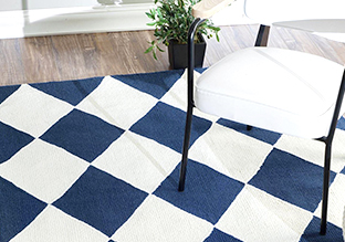 Up to 75% Off: Rugs!