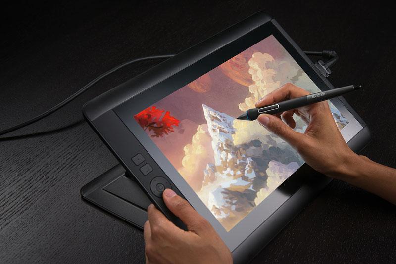 http://g-ecx.images-amazon.com/images/G/01/aplus/detail-page/wacom-cintiq-13HD-img1-l.jpg