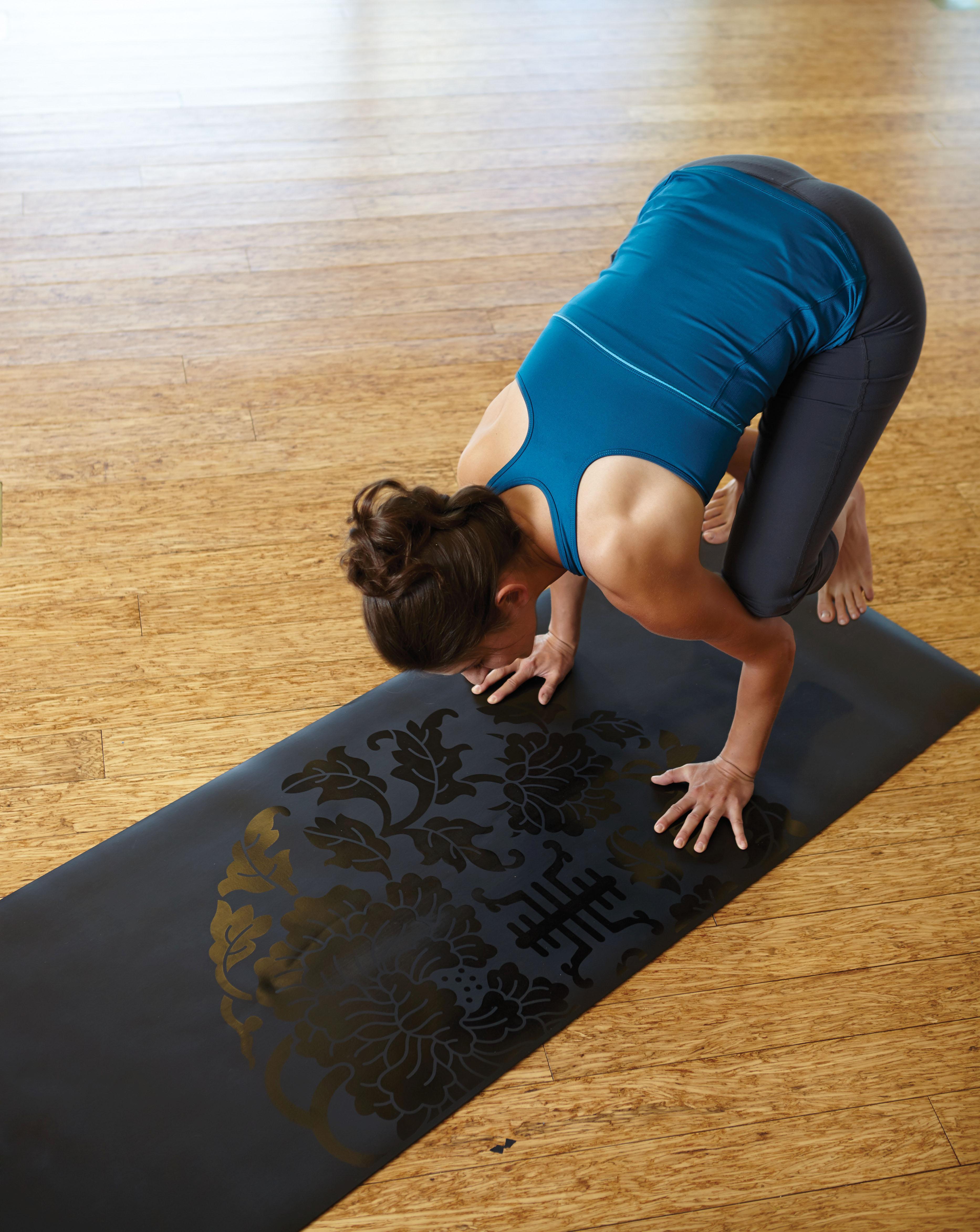 Amazon.com: Gaiam Sol Dry-Grip Yoga Mat (5mm): Sports